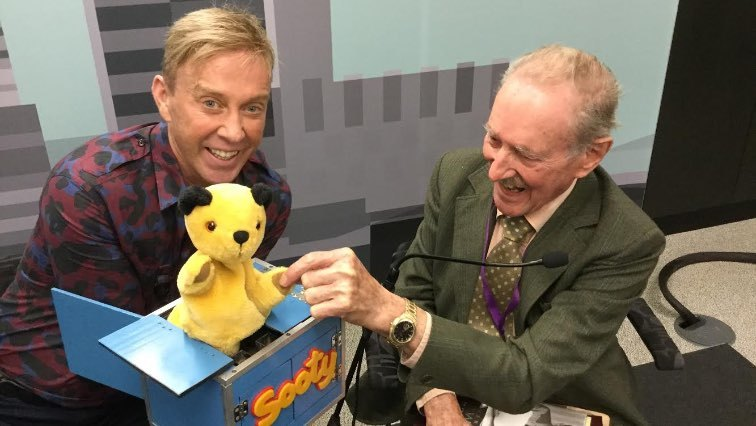 Richard takes Sooty